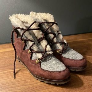 SOREL Sneakchic Alpine Holiday Boot